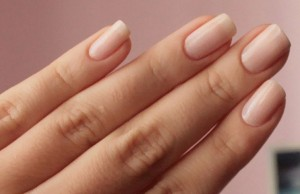 Κιτρίνισμα νυχιών και δακτύλων;; Δες τη λύση!!