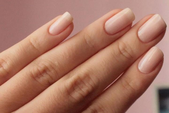 Κιτρίνισμα νυχιών και δακτύλων; Δες τη λύση!
