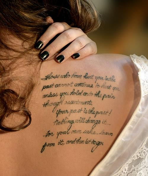 12 Γυναικεία και Chic Tattoo -spine-tattoos-for-women-female-tattoo-gallery-51215 (6)