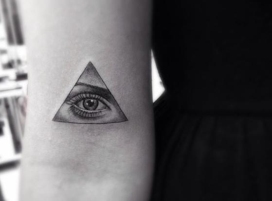 Όμορφα Tattoo σε μαύρες και γρι αποχρώσεις www.ediva.gr (8)