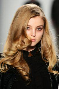 Κουρέματα για μακριά μαλλιά koyremata-2014 www.ediva.gr (29)
