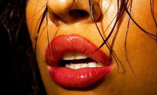 Σαρκώδη χείλη: Πως να τα πετύχεις!