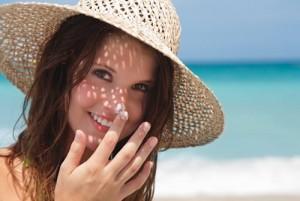 Τα καλύτερα αντηλιακά προσώπου της αγοράς σύμφωνα με το δέρμα σου