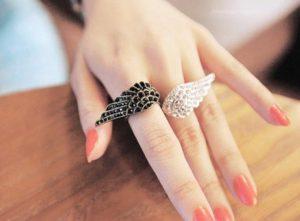 16 Υπέροχα και φθηνά δαχτυλίδια που θα στολίσουν τα δάχτυλα σου