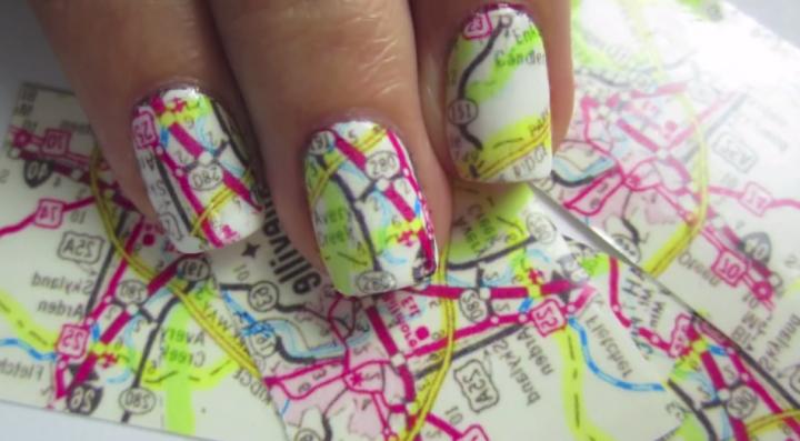 Nails Art: Πως να κάνεις τα νύχια σου να μοιάζουν με χάρτη!