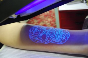 black light tatouaz