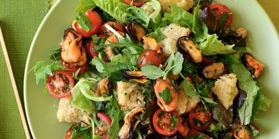 Πικάντικη σαλάτα με μύδια!