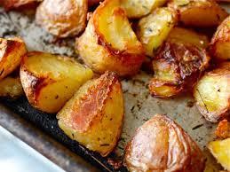 Εύκολη συνταγή για ζουμερές πατάτες φούρνου!