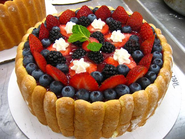 Γλυκό Σάρλοτ με κόκκινα φρούτα!