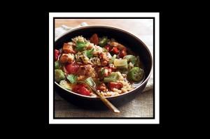 Εξαιρετική συνταγή κοτόπουλο με λουκάνικο και μπάμιες!