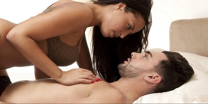 Τι σκέφτεται ένας άντρας όταν σε δει γυμvή!