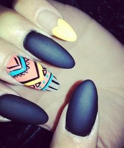 stiletto manicure