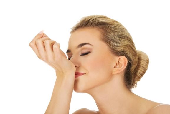 Tips για να διαρκέσει το άρωμα σου περισσότερο!