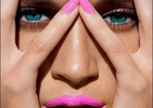 skouro-makeup