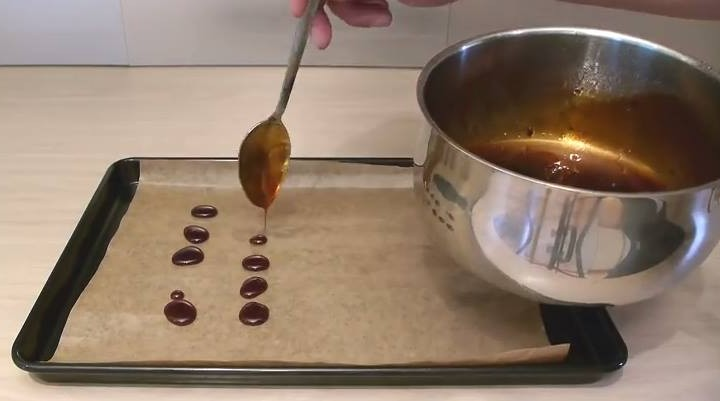 Πως να φτιάξεις σπιτικές καραμέλες για το κρύωμα & τον βήχα