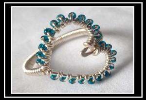 DIY: Φτιάξε μόνη σου δαχτυλίδι καρδιά από σύρμα!