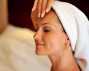 5 tips για να μειώσεις το πρήξιμο στο πρόσωπο!