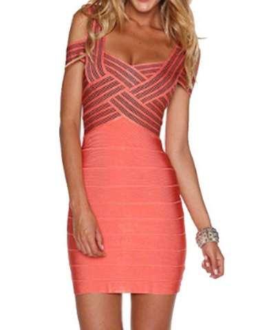 Αυτό είναι και το πιο ακριβό φόρεμα της λίστας μας όπως μπορείς να δεις και  εδώ 90092299ec7