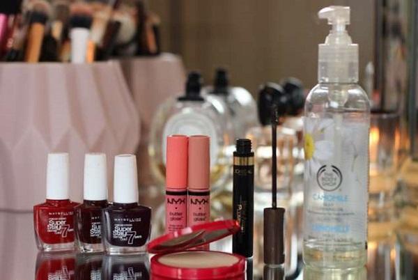 5 Οικονομικά προϊόντα μακιγιάζ για το νεσεσέρ σου!