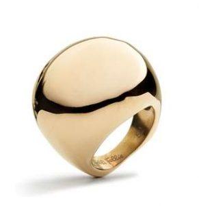 Για όσες όμως προτιμούν τα πιο εξεζητημένα και ογκώδη δαχτυλίδια 9f70f7783c3