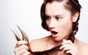 5 Τρόποι με τους οποίους καταστρέφεις τα μαλλιά σου