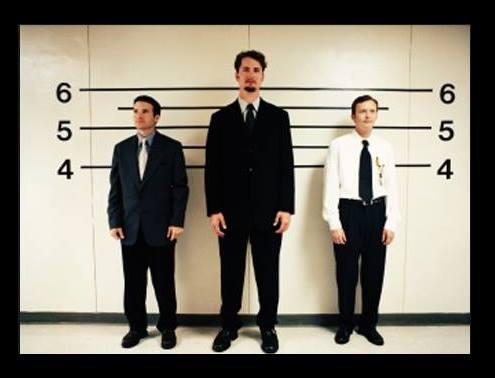 Βγαίνω με έναν πολύ ψηλό άντρα.