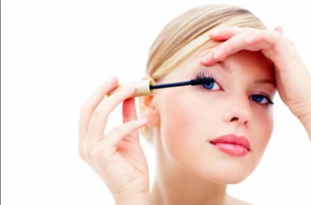 Tips για να μην λιώσει το μακιγιάζ σου το καλοκαίρι!