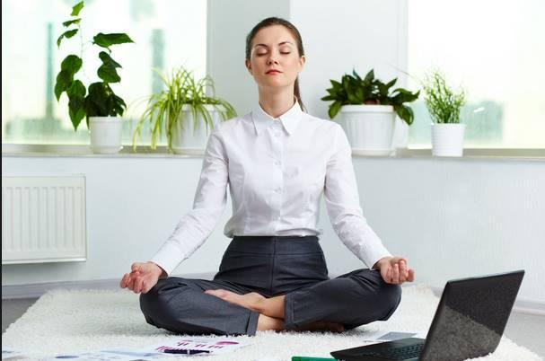 4 Ασκήσεις yoga για να