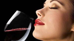 Το πρώτο ποτό σε κάνει πιο ελκυστική!