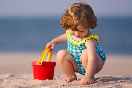 6 Παιχνίδια για παιδιά στην παραλία!