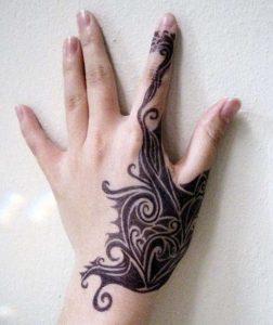 mikra ginekia tattoo