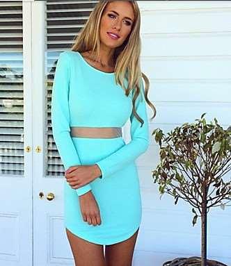 01d652ce3c8 Για όσες όμως ψάχνουν κάτι πιο χειμερινό, μπορούν να επιλέξουν ένα από τα  μακρυμάνικα mini φορέματα της λίστας μας. Το γαλάζιο είναι σε πιο απλή  γραμμή και ...