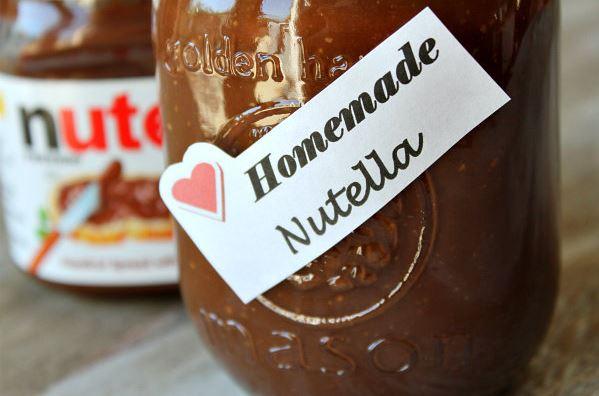 Εύκολη σπιτική συνταγή για Nutella με αμύγδαλα!