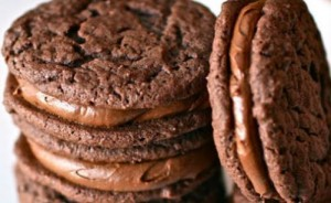 Φτιάξε γεμιστά μπισκότα με φυστικοβούτυρο και πραλίνα!