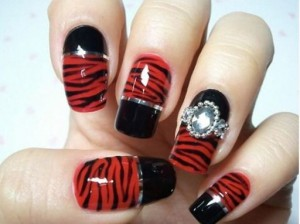 animal print galliko manicure