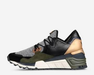 Αν και το σχέδιο δε σου θυμίζει σε τίποτα αθλητικό παπούτσι που προορίζεται  για γυμναστική κι όμως είναι! Αθλητικά παπούτσια με floral στάμπες e6e945149eb