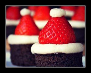 Φτιάξε χριστουγεννιάτικα brownies σκουφάκια Άγιου Βασίλη!