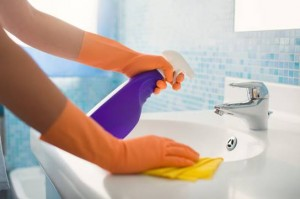 Φτιάξε το πιο ισχυρό καθαριστικό με απλά υλικά!