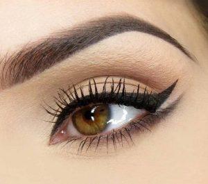 makigiaz-matiwn-eyeliner
