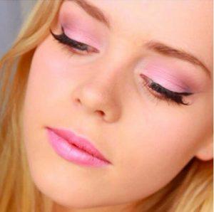 makeup roz skia mation