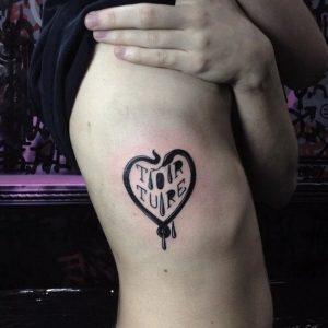 gunaikeio tattoo pleura