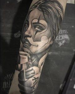tattoo maniki monoxromo
