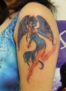 gunaikeia tatouaz mpratso