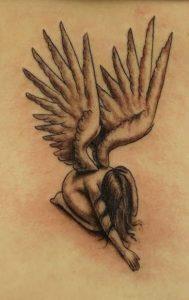 tatouaz pesmenos aggelos