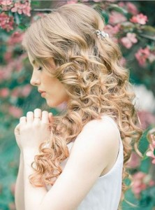 curly hair for brides