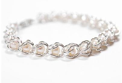 Χειροποίητα κοσμήματα  Φτιάξε βραχιόλι αλυσίδα με πέρλες!  11a33274f3f