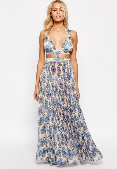 Ένα ακόμη εντυπωσιακό maxi φόρεμα είναι και αυτό εδώ d164180c13e