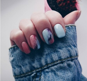 Marble nails pastel xromata
