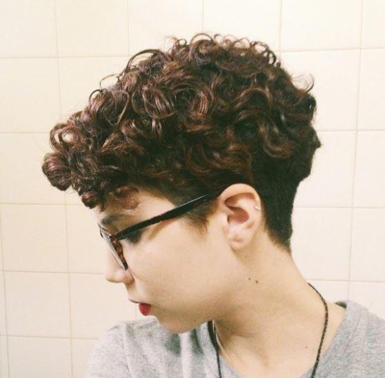 curls on top