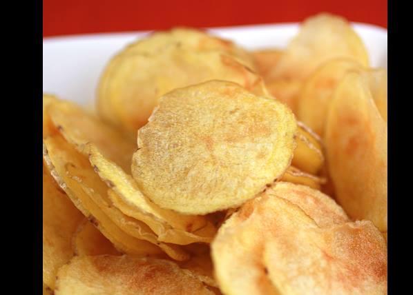 Πως να φτιάξεις τραγανά πατατάκια στο φούρνο μικροκυμάτων!